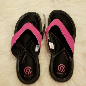 b7e62c2e7836e Champion Shoes - NWT Girls  Marguerite Sport Memory Foam Flip Flop